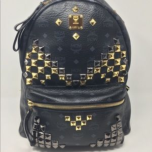 🔥🔥 MCM STUDDED LG BACKPACK 🔥🔥  🤩JUST IN🤩